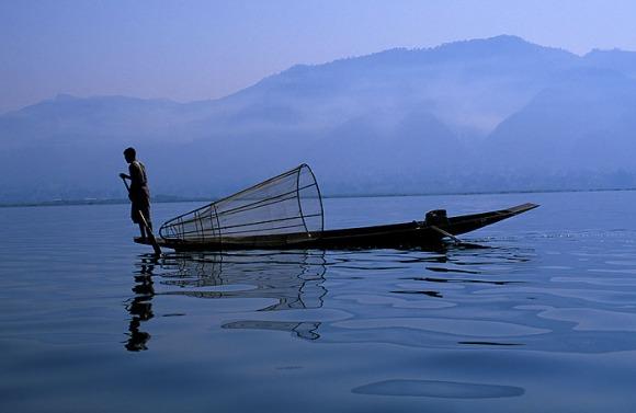 My034 - Pescadores (famosos para remar com uma perna), Lago Inle