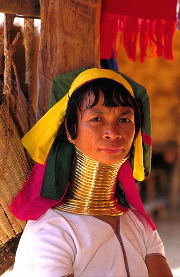 T224 - Mulher da tribo Padaung, Longneck ou Mulher Girafa, Mae Hong Son
