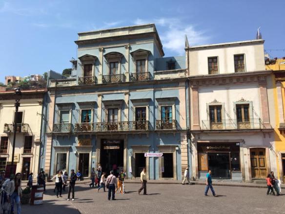 em frente a basilica