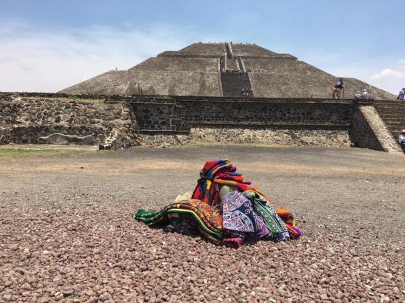 piramide do sol e artesania
